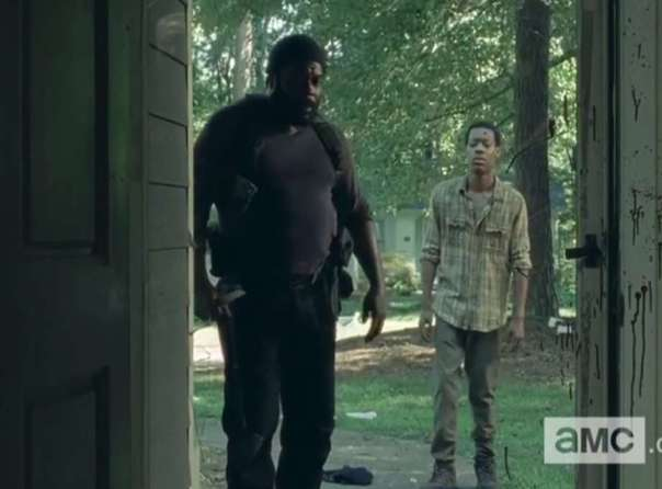 Tyreese-and-Noah-in-Second-Half-of-Walking-Dead-Season-5-1417408279