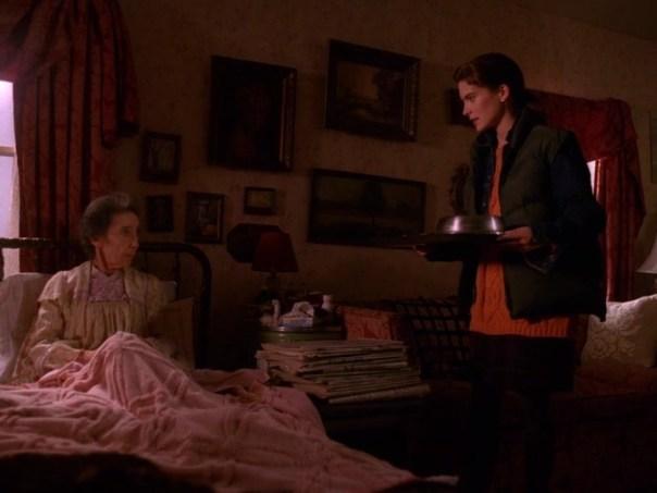 Twin-Peaks-Season-2-Episode-2-5-f184