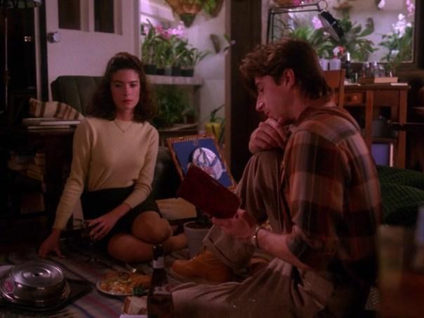 Twin-Peaks-Season-2-Episode-4-17-a418