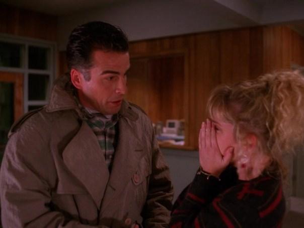 Twin-Peaks-Season-2-Episode-4-42-01c1