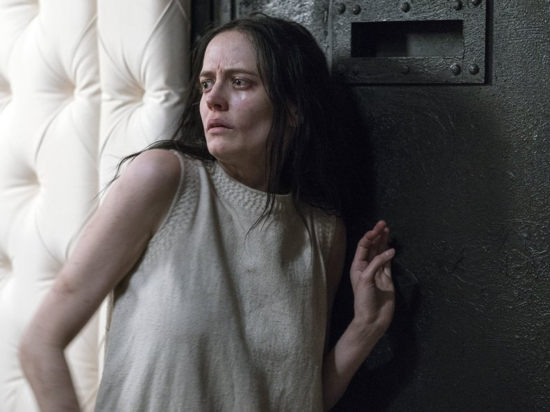 Penny-Dreadful-A-Blade-of-Grass-3x04-promotional-picture-vanessa-ives-penny-dreadful-39567649-3600-2700