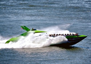 The Beast – Speedboat ride on the Hudson in NYC