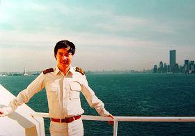 1987年王中同船長在紐約
