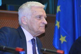 上屆歐洲議會輪值主席布澤克(Jerzy