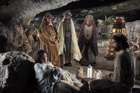 obama sneaks in as wiseman, brings dalek with him to nativity scene