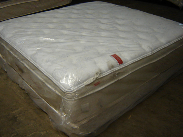 Simmons Beautyrest Exceptionale Super Pillowtop King Mattress Set