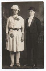 Foto de homosexuales travestis. Estados Unidos, 1910.