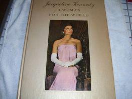 jackie-libro-jacqueline-bouvier-una-mujer-para-el-mundo