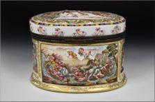 capodimonte cofre siglo XIX decorado querubines y personajes foto 4