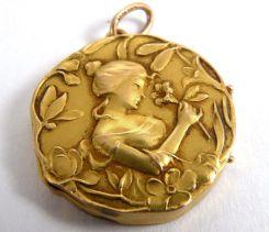 Medallón Art Nouveau de oro de 18 k. Estados Unidos 1910