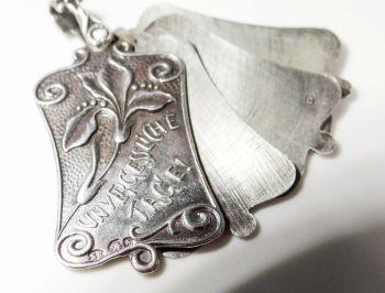 Medallón Art Nouveau de plata 900 para guardar tres fotografías, Austria, principios 1900.