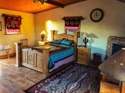 Ten Bits Ranch Room