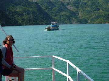 2016-08-02; Fährfahrt auf dem Komanisee 33