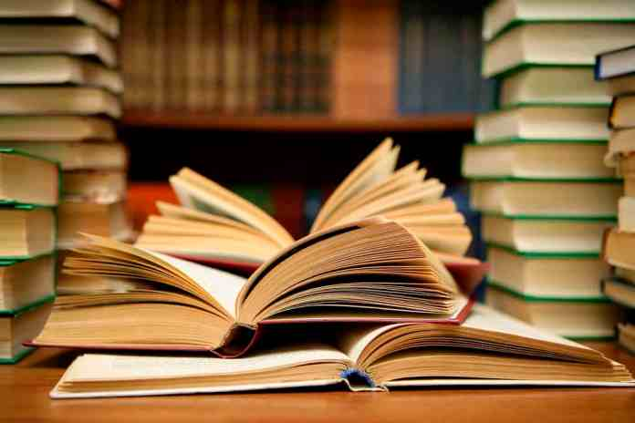 Self-Help Books For Confidence: Read and Write your destiny