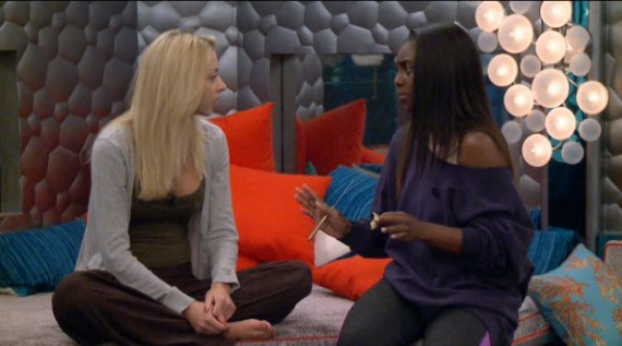 Big Brother Live Feeds 2015 - Jul/Liz and Da'Vonne (CBS)