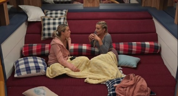 Big Brother 21 Live Feeds Spoilers Day 35: Christie Helps