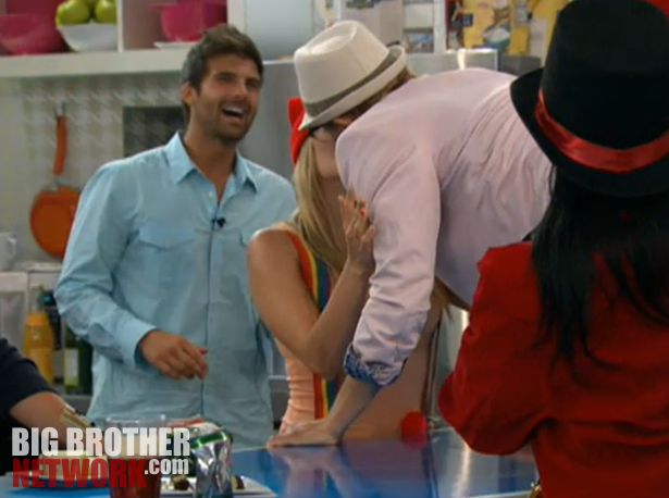 Big Brother 14 20120728 party – Ashley and Boogie kiss