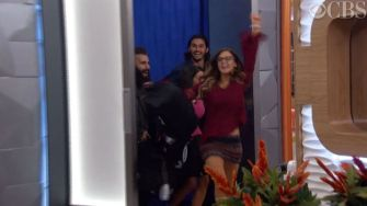 Big Brother 18 Houseguests move in - 01
