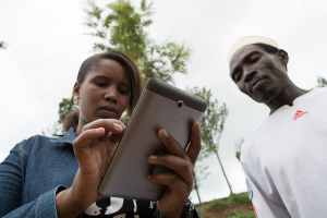 When climate problems arise, farmers collect and share vital information with GeoFarmer app