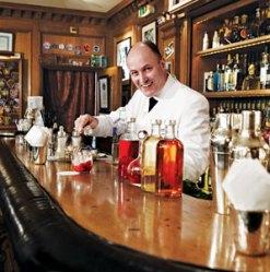 201102-a-insider-bartender-paris