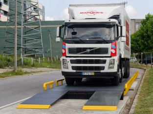 Weighbridge with Automatic barriers for sale in Uganda