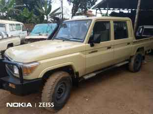 Toyota Land Cruiser Hard Top Pick Up