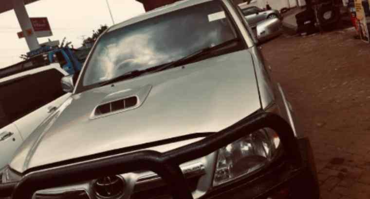 Toyota Hilux Double Cabin 2013 model Manual transmission 2.5CC