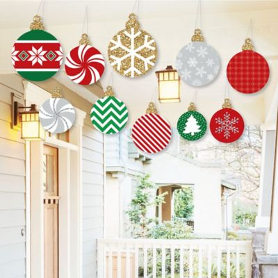 hanging ornaments outdoor holiday