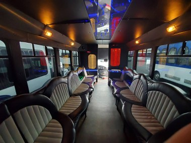 20190516 173011 - 18 Passenger<br>450 Party Bus</br>Limo #28
