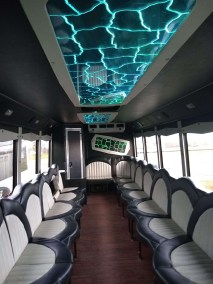 bus 27 interior 1 - 25 Passenger<br>550 Party Bus</br>Limo #33