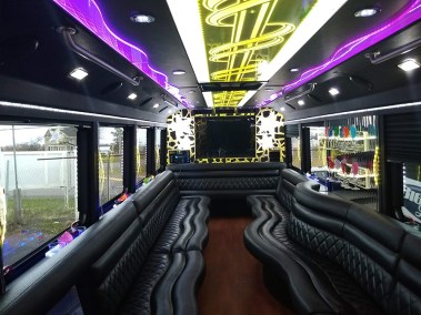 bus 41 interior 2 - 26 Passenger<br>550 Party Bus</br>Limo #41