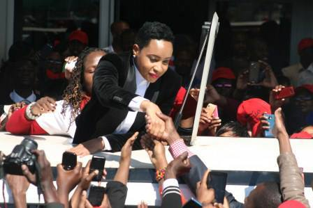 Pokello Nare, Big Brother Africa (BBA): The Chase Zimbabwean representative who was evicted from the BBA House on Sunday returned back home Wednesday afternoon to a thunderous welcome.
