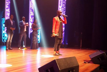 Kenzo named African Artiste of the Year at the Nigeria Entertainment Awards