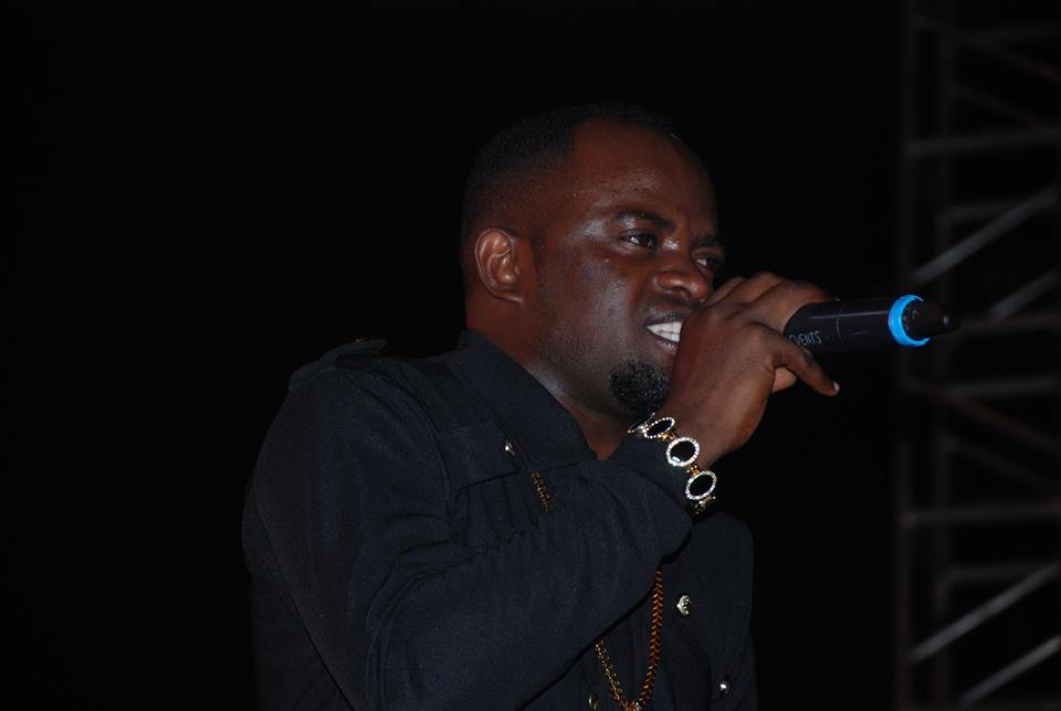 David Lutalo entertaining revelers at Manya concert