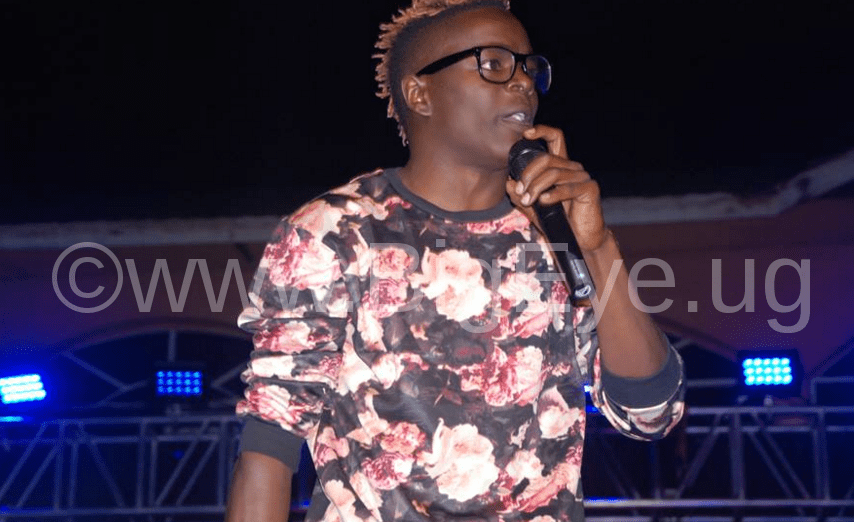 "King Saha performs at the Mirinda ""Entujjo Ya Comedy"""