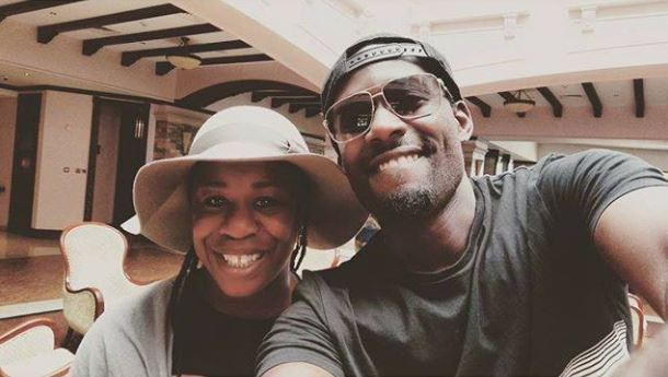 Maurice Kirya takes selfie with American actress Uzo Aduba