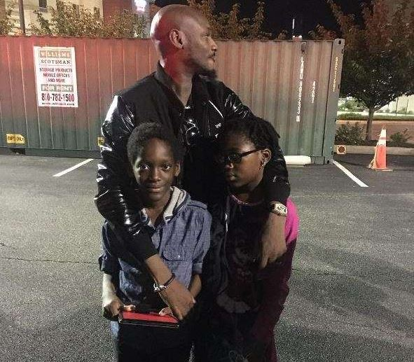 2Face Idibia hangs out with his kids