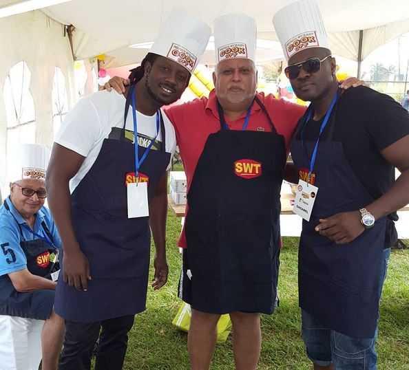 Bebe Cool poses for a photo with Sudhir Ruparelia