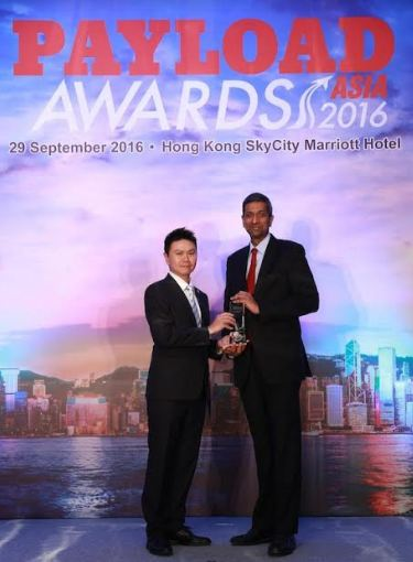 Ravishankar Mirle, Emirates Vice President of Far East and Australasia Emirates SkyCargo accepting the award