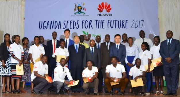 Hon. JC Muyingo, the State Minister of Education and Sports, H.E Zheng Zhuqiang, the Chinese Ambassador and Stanley Chyn, Huawei Uganda Managing Director, with other guests and Seeds for the Future students.