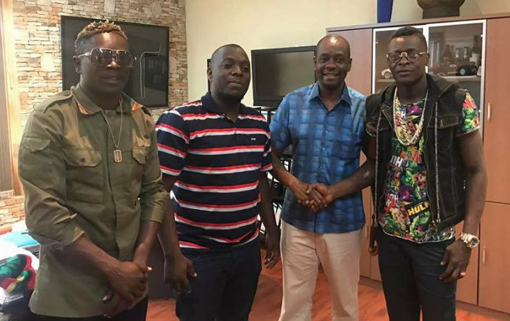 Chameleone together with other concerned artistes like Weasel, A Pass, King Saha last week started the initiative by meeting club owners around Kampala.