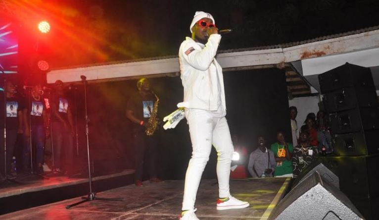 Ykee Benda thrills fans at album listening party
