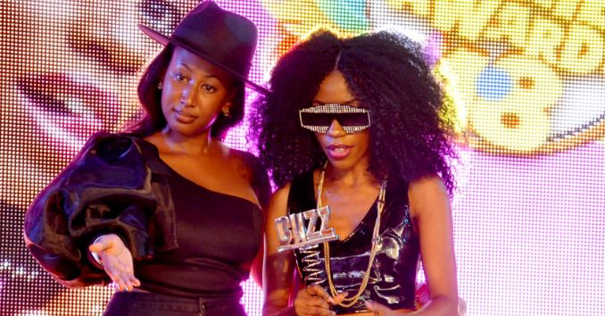 Vinka receives an award at a previous edition of the Buzz Teeniez Awards.