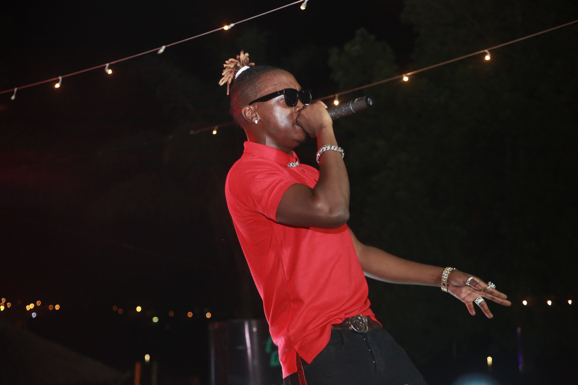 "Beenie Gunter performs at the ""Neon at the Bridge"" party"