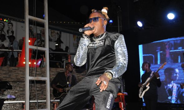 Beenie Gunter entertains fans in Bell Jamz Listeners Experience.