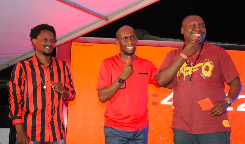 "L-R: Media personality Calvin, Uganda Breweries Managing Director Alvin Mbugua and comedian Salvado during the ""Be Your Own Ref"" campaign launch held at Legends bar on Thursday."
