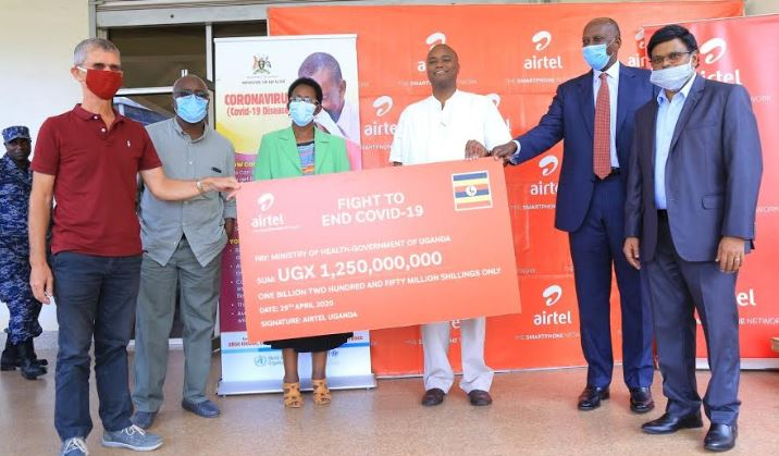 Airtel Uganda has announced a contribution of 1.25 Billion Uganda shillings to the Ministry of Health in Uganda, primarily to support health workers on the frontline in the battle against COVID-19.