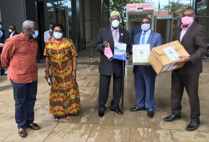 East African Business Council (EABC) has donated Face Masks worth UGX60million to cross-border communities in Uganda.