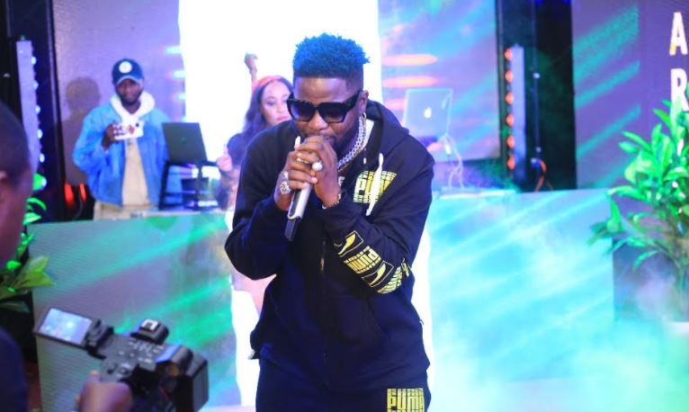 Nigerian star Skales treats fans to surprise performance on Dance Party