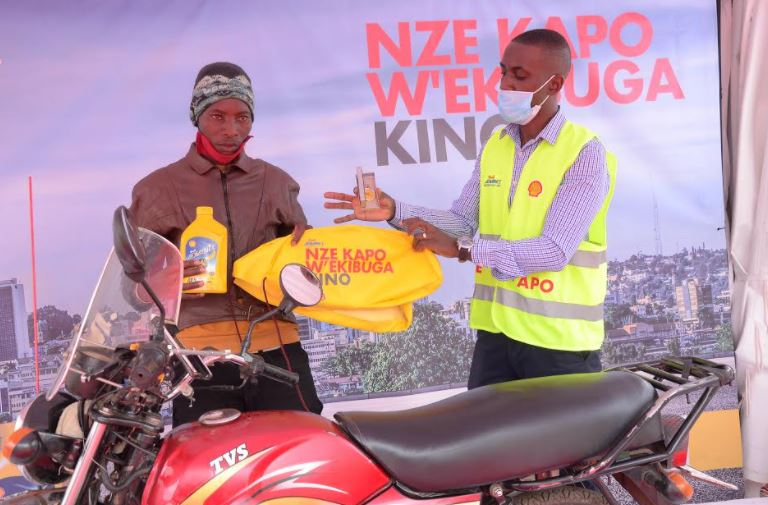 """Vivo Energy Uganda has announced a 12-week campaign dubbed """"Shell Advance Kapo W'ekibuga"""" which will see over 40,000 boda riders rewarded with up to UGX 300 million worth of prizes."""